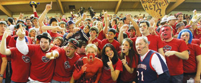 Students cheer on Gaels