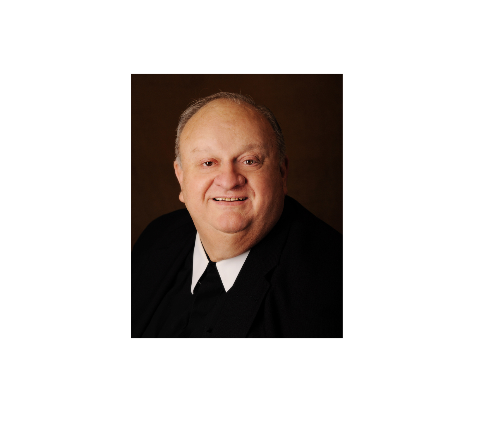 SMC's #300LaSalle Academic Convocation recognizes Brother Louis DeThomasis, FSC, president emeritus at Saint Mary's University of Minnesota. He will receive an honorary doctorate at the Convocation on Wednesday, May 1, 2019.