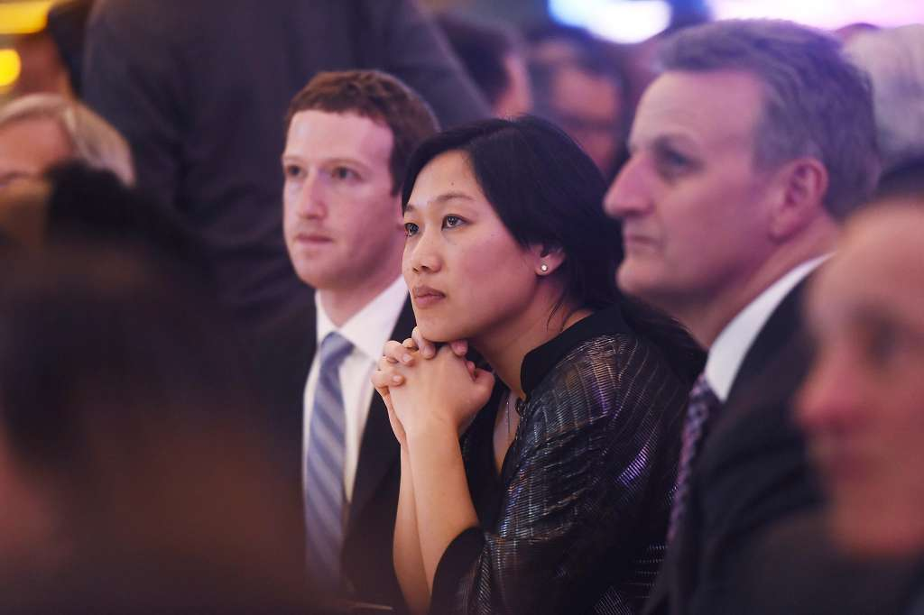 2017 Visionary of the Year recipient Dr. Priscilla Chan, with husband and Facebook co-founder Mark Zuckerberg (left).