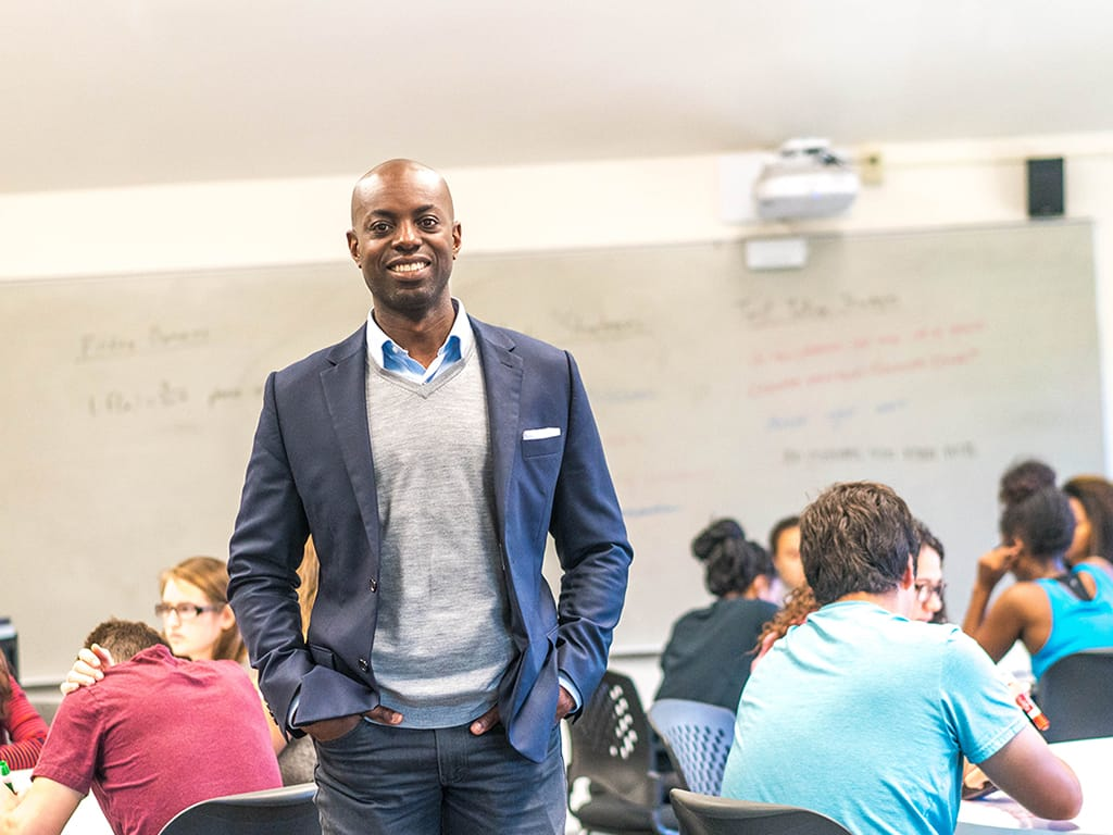 Director Ameer Thompson builds community for Hispanic and low-income students in the STEM Center and beyond.