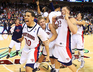 Team celebrates WCC Tournament victory