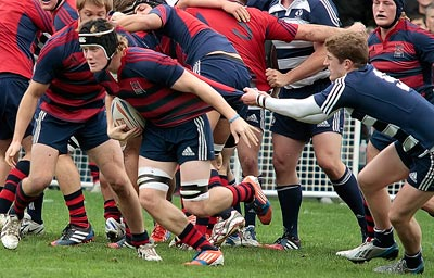 Rugby team playing match.