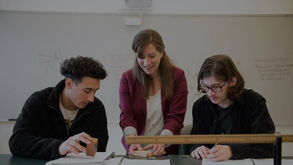 <p>Through a curriculum based on a tradition of liberal arts, students develop their minds and discover their potential.</p>