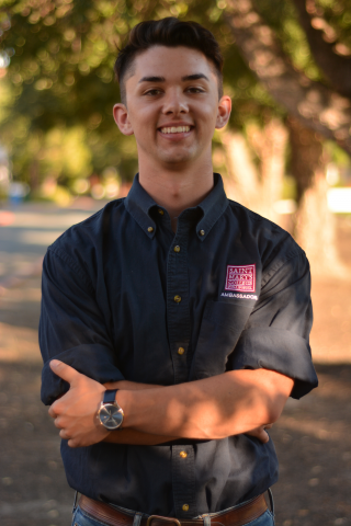 Henry Penalosa '20 is from Arcata, California. Henry is a biochemistry major and Chemistry stockroom assistant. He is also involved in the High Potential Program and welcomes new students as a Weekend of Welcome leader.