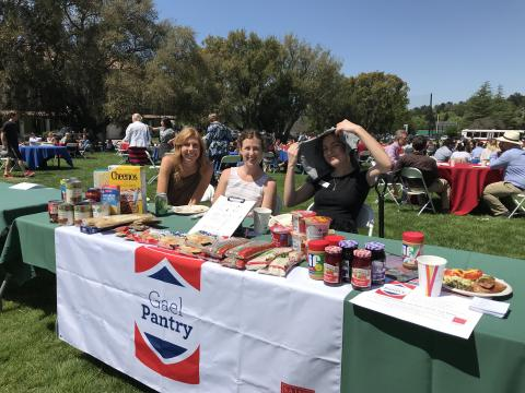 Image of Students at the GaelPantry Booth at a Campus Event