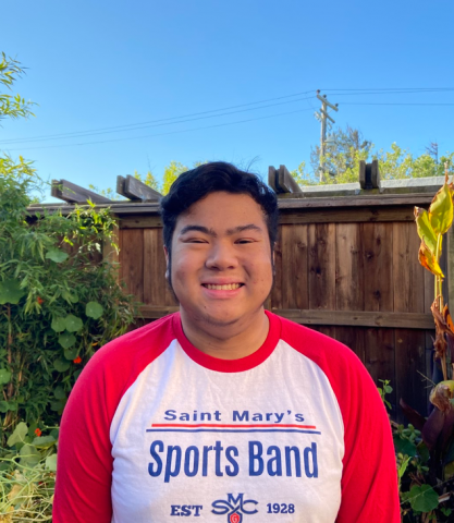 Hi, I'm Julian Villegas.  My hometown is Albany, California and I'm majoring in Communications and minoring in Theatre.  I'm an Alto Saxophone player in the SMC Sports Band and I'm looking forward to introducing the incoming class to life here at SMC.