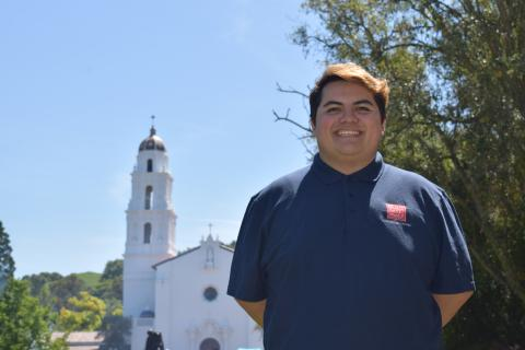 Hey! I'm Rob Guzman. I am a theatre major from SoCal, a barista at Starbucks and am so excited to connect with you all this summer!
