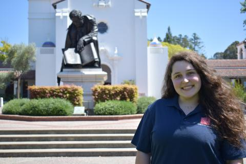 Hi! I'm Sophia Swinscoe, and I am from Sacramento, CA. I am studying English with an emphasis on Film and Dramatic Arts with an Italian minor. I am a part of the Dante Club on campus too! I can't wait to hype up the class of 2022!