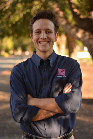 "Valente Araiza '20 is from Galt, California. He is majoring in biochemistry, Honors Program member and the finance coordinator for the Residence Hall Association. His favorite Seminar reading is ""The Man Who Was Recklessly Curious"" by Miguel de Cervantes."