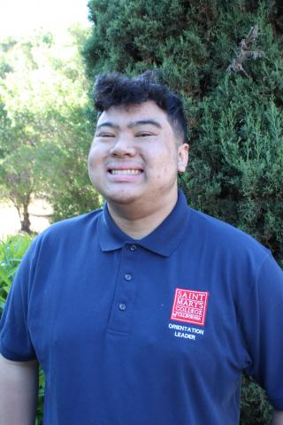 Hey everyone!  My name is Julian Villegas, my pronouns are he/him/his, and I'm from Albany, CA.  I'm a third year Communication major and I'm an Alto Sax player as well as the Secretary for the SMC Sports Band.  I'm looking forward to welcoming you all to Saint Mary's!