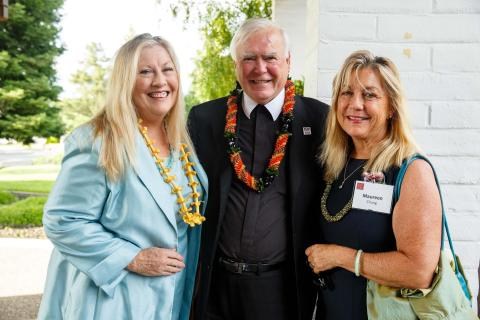 Brother Ron with his sisters, Sharon Gallagher Tashjian and Maureen Chung.