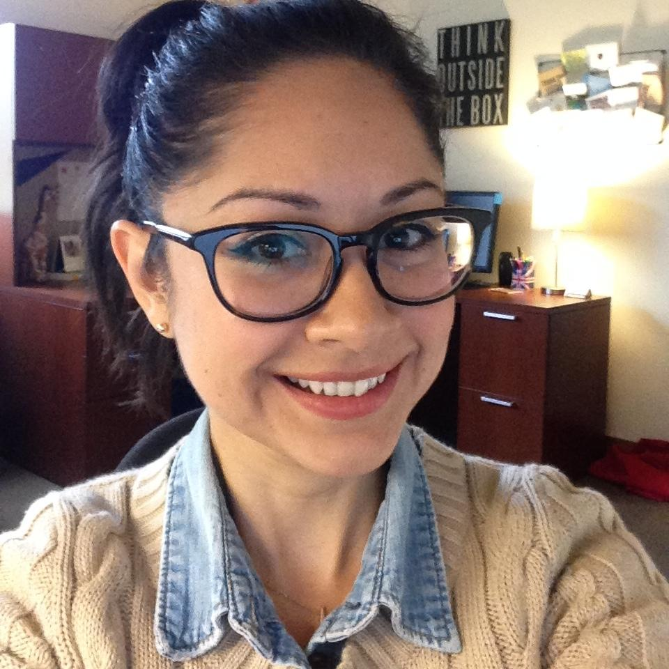 """""""Super excited to meet all my new Augustine residents, welcome home class of 2018!"""" - Natalie Vazquez, R.D., Augustine Hall, 2nd floor"""