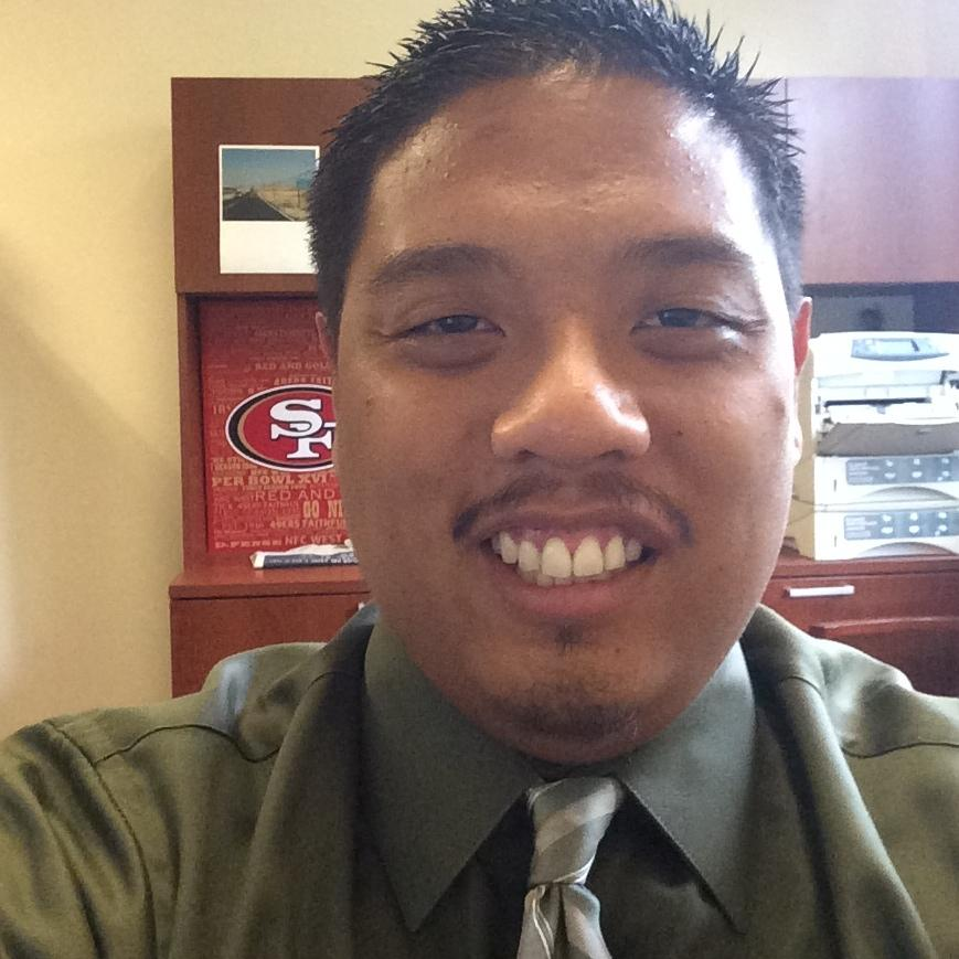 """""""I look forward to welcoming all the new residents of De La Salle and assisting them in their transition to college!"""" --   Erik Coloma '09, De La Salle, 2nd floor."""
