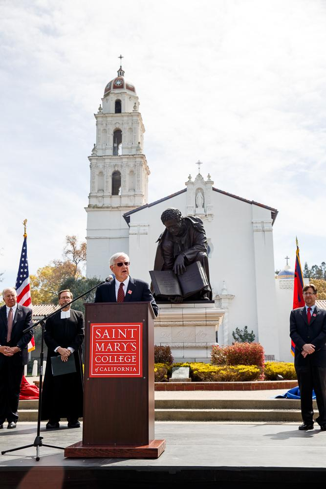 James A. Donahue announced as 29th president of Saint Mary's College.