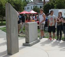 Measuring the sun's position with the meridian plinth